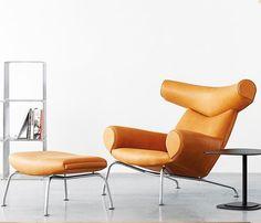 Poltrona Ox, Hans J. Wegner, 1960.  A essência de um design exclusivo e raro, um clássico imortal, Wegner criou a poltrona com um peso escultural que faz com que seja desde o seu nascimento em 1960, um item icônico na lista dos mobiliários mais desejados.