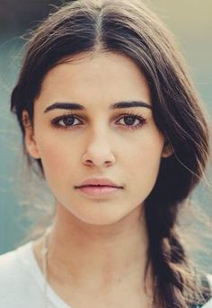 Can Naomi Scott be a casted as Mare Barrow from Victoria Aveyard's 'The Red Queen' series ? Scott Campbell, Naomi Scott Photoshoot, Princesa Jasmine, Victoria Aveyard, Ash Blonde Hair, Beauty Book, Hollywood Celebrities, Face Claims, Beautiful Actresses