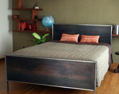 Kraftig Bett Nummer 4 mit Walnuss von deliafurniture auf Etsy