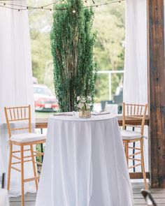 Alright y'all, real talk. Why is sitting at a round table with 8 other people you don't know still the norm at weddings?! Your guests will *likely* use your wedding as their monthly date night so they deserve to have a real date, at a table by themselves Romantic Picnics, Wedding Day Timeline, Wedding Weekend, Small Tables, Rehearsal Dinners, Personalized Wedding, Unique Weddings, Wedding Details, A Table