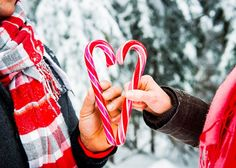 Adorable! A sweet, snow-filled engagement session by http://bakephotography.com