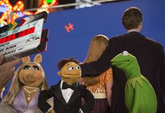 Kermit and Miss Piggy talk weddings, evil doubles and more on the set of 'Muppets Most Wanted'