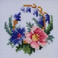 553 Likes, 1 Comments - Hatice Small Cross Stitch, Cross Stitch Needles, Cross Stitch Rose, Cross Stitch Borders, Cross Stitch Alphabet, Cross Stitch Flowers, Cross Stitch Designs, Cross Stitching, Cross Stitch Embroidery