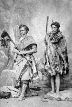 Kamariera Te Hautakiri Wharepapa (right) and Kihirini Te Tuahu (with tewhatewha) during their trip tp London, Photo by Vernon Heath.
