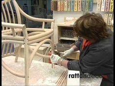 Fabrication d'une chaise en rotin - YouTube Rattan, Home Hardware, Chair, House, Furniture, Home Decor, Youtube, Wicker, Dining Chairs