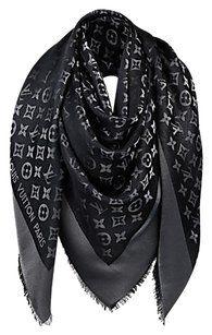 Louis Vuitton AUTHENTIC Louis Vuitton Black Monogram Shine Shawl M75123