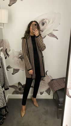 99 Fashionable Office Outfits and Work Attire for Women to Look Chic and Stylish – Lifestyle Scoops Summer Work Outfits, Casual Work Outfits, Business Casual Outfits, Work Casual, Spring Outfits, Chic Outfits, Winter Teacher Outfits, Office Outfits Women, Casual Office