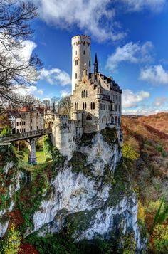 Numenor Castle, Lichtenstein, Germano. Germany Castles Information on our Site http://storelatina.com/germany/travelling #viajem #Alemanhatravel #travelinggermany #traveling