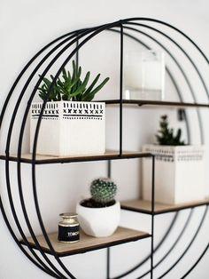 DIY-Anleitung: Eckigen Blumentopf aus Holz selber machen / diy tutorial for home decor: how to craft a quadratic plant holder via DaWanda.com #diy