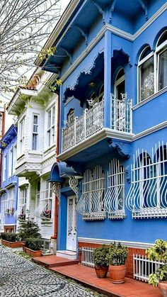 Cultural Architecture Home Abandoned Houses, Abandoned Places, Old Houses, Cultural Architecture, Architecture Old, Beautiful Streets, Beautiful Places To Visit, Casa Top, Istanbul Travel