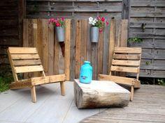 2-pallet-loungers-with-half-cut-wood-log-coffee-table.jpg (960×720)