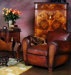 La Boutique Vintage is happy to present a unique collection of authentic French Club Chairs. Bedroom Furniture Sets, Home Furniture, Modern Furniture, Furniture Design, Bedroom Sets, Plywood Furniture, Küchen Design, Chair Design, Interior Design