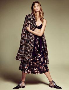 Karlie Kloss Exibe Looks Dior Clicada Por Luigi  Lango  Fragmentos de Moda