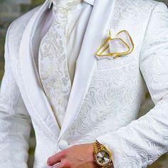 New Design Custom Made Light Grey Groomsmen Wedding Suits For Men Groom Tuxedos Mens Suit Business P Mens Fashion Suits, Mens Suits, Suit Men, Costume Africain, Groomsmen Grey, Vest And Tie, Groom Tuxedo, Herren Outfit, Wedding Men