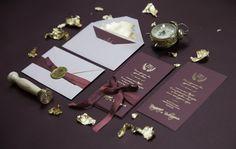 """Роскошные приглашения на свадьбу с тиснением золотом, шелковой лентой и сургучной печатью. Приглашения выполнены из дизайнерской бумаги цвета """"марсала"""", конверт декорирован золотой поталью. Все на высшем уровне :) Пригласительные, приглашения, приглашение, свадьба, свадебные, полиграфия, свадебная, оформление, праздник, торжество, конверты, карточки, тиснение, золото, шелковые, weddywood, wedding, invitations, билет, самолет, контурная, резка, свитки, Свадебные идеи 2017, популярные цвета"""
