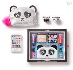 Tween Girl Beauty Products – Hair, Body, & Makeup Just Shine kits and sparkly accessories in bear-y cute packaging? It's pure panda-monium! Kids Makeup, Cute Makeup, Tween Girls, Toys For Girls, Justice School Supplies, Justice Makeup, Makeup Kit, Makeup Products, Beauty Products