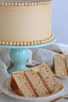 Peanut Butter Dream Cake – Peanut butter cake layers, peanut butter marshmallow filling and peanut butter frosting. Fudge Recipes, Cake Recipes, Dessert Recipes, Whipped Peanut Butter, Peanut Butter Cakes, Peanut Butter Cake Filling, Peanut Butter Birthday Cake, Peanut Cake, Coconut Cakes
