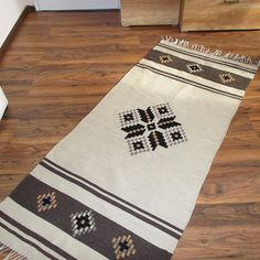 Cream /natural white wool/ handwoven rug with stylish by RugsNBags