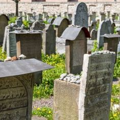Kazimierz Kraków zwiedzanie dzielnicy żydowskiej z profesjonalnym przewodnikiem. Zobaczcie najpiękniejszą z dzielnic i odkryjcie historię krakowskich Żydów.
