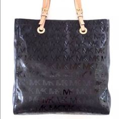 Nwt authentic Michael Kors tote purse handbag  Nwt authentic Michael Kors tote purse handbag  Michael Kors Bags Totes
