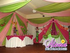 Hermosa decoracion con cortinas Carnival Birthday Parties, Flower Backdrop, Fiesta Party, Ceiling Decor, Table Arrangements, Holidays And Events, Event Decor, Wedding Events, Wedding Planner