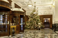 17 Gorgeous Hotels Decked Out for the Holidays