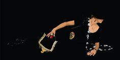 -  Atelier StossImHimmel -   Vienne -  Schmuck von Caroline Ertl, Michelle Kraemer  Martin Leitner, Izabella Petrut, Eva Tesarik, Heike Wanner, Tatiana Warenichova und Kamilla Wrobel. - in hand : Eva Tesarik necklace