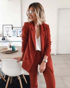 43 office outfits underline the independent side of women - VimDecor -. - 43 office outfits underline the independent side of women – VimDecor – 43 office outfits highli - Fall Outfits For Work, Casual Work Outfits, Business Casual Outfits, Mode Outfits, Work Attire, Work Casual, Office Outfits Women, Formal Outfits, Office Look Women