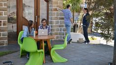 """Con el título """"El trabajo más allá del 2020"""" se celebró la Workplace Conference organizada por 3g office en la sede de Globant de Núñez, con una serie de presentaciones sobre la relación entre espacios, personas y tecnología, y un panel de expertos locales sobre innovación en el workplace.  #BibliotecaCPAU #DSI #LaNacion"""