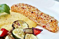 Två små kök: Ugnsbakad lax med citron och sesamfrön, polenta och ugnsrostade grönsaker