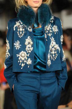 Oscar de la Renta at New York Fashion Week Fall 2012 - Details Runway Photos