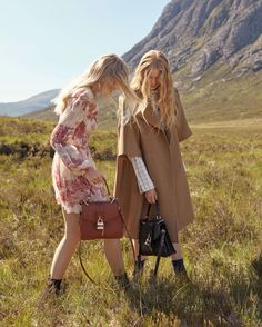 Chloe Heads to The Highlands for Fall 2019 Campaign Fast Fashion, Fashion Beauty, Work Fashion, Autumn Winter Fashion, Fall Winter, Chloe Clothing, Chloe Fashion, Campaign Fashion, She Is Clothed
