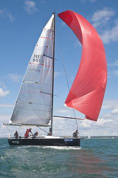 The Summit Yachts King 40 boat 'Weerga' with spinnaker at the start of a Class 1 IRC race during Aberdeen Asset Management Cowes Week. #sailboats #boats #sailing