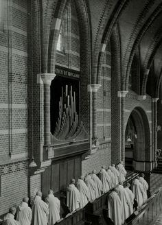 Abdij van Achel / Achelse Kluis: tijdens de hoogmis [in de kloosterzaal]