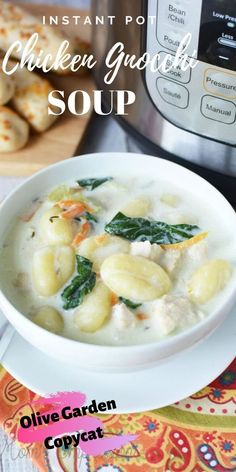 Instant Pot Olive Garden Chicken Gnocchi Soup - A Mom's Impression Hands down the best soup I have made in my pressure cooker! This Instant Pot Chicken Gnocchi Soup tastes just like its from Olive Garden! Try it, you won't be disappointed! Instapot Soup Recipes, Healthy Soup Recipes, Cooking Recipes, Instapot Chicken Soup, Simple Recipes, Delicious Recipes, Olive Garden Chicken Gnocchi, Chicken Gnocchi Soup, Chicken Garden