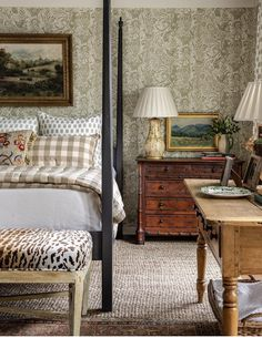 The ever-so talented strikes again with this gorgeous room highlighting textile designer Cottage Style Bedrooms, Farmhouse Bedroom Decor, Cozy Bedroom, Guest Bedrooms, Bedroom Ideas, Master Bedroom Design, Bedroom Vintage, Beautiful Bedrooms, Home Fashion