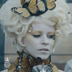 GIF of Effie Trinket in Catching Fire