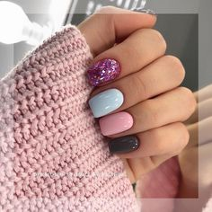 Perfect Winter Nail Designs To Make You Feel Warm - Winter Nails Acrylic - Love Nails, Pretty Nails, Clarissa Nails, Short Square Nails, Short Nails Art, Dipped Nails, Short Nail Designs, Popular Nail Designs, Nagel Gel