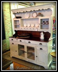 This is my hutch that I bought at RE! The Shabbiest Chick: Farmhouse Hutch Amy Howard Paint Painted China Cabinets, Painted Hutch, Furniture Projects, Furniture Makeover, Diy Furniture, Farmhouse Buffet, Farmhouse Furniture, Country Furniture, Farmhouse Ideas