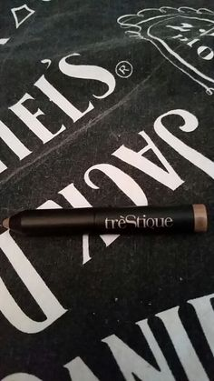 "Trestique shadow crayon in ""venetian gold"" new"