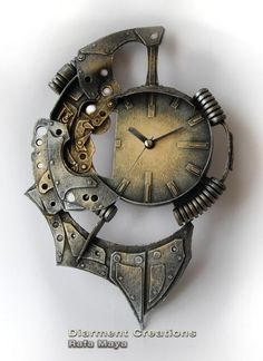 Steampunk clock... So cool!