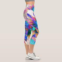 Yoga Mom, Yoga Wear, Capri Leggings, Look Cool, Dahlia, Things That Bounce, Cool Designs, Comfy