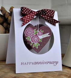 what a cool idea for a hanging front of the card ...