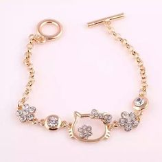 New fashion cat shape crystal chain charm bracelets for women gold color hello kitty rhinestone bracelet jewelry Bijoux Hello Kitty, Hello Kitty Jewelry, Hello Kitty Accessories, Hello Kitty Items, Bracelets Roses, Bangle Bracelets, Bangles, Ruby Jewelry, Charm Jewelry
