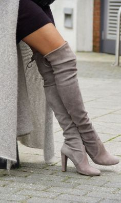 Grey Round Toe High Chunky Over-The-Knee Boots. The Knee Boots. Over the knee boots. The Joy of J Crazy Shoes, Me Too Shoes, Women's Shoes, Shoes Style, Big Shoes, Shoes 2016, Aldo Shoes, Platform Shoes, Oxford Shoes