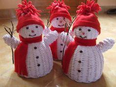 Handmade Headbands, Handmade Crafts, Diy And Crafts, Paper Crafts, Handmade Rugs, Christmas Baskets, Christmas Crafts, Christmas Ornaments, Paper Basket Weaving