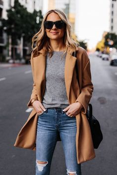 Where to Buy Chic Winter Apparel Fashion Jackson - Source by mangellipodevin - Mode Outfits, Jean Outfits, Winter Outfits, Casual Outfits, Fashion Outfits, Fashion Ideas, Fashion Belts, Jeans Fashion, Today's Fashion Trends
