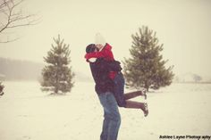 NewYorkDress Blog // Holiday Engagement Photos // Click through for more!