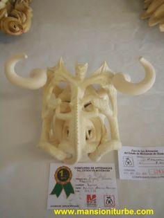 Mascara de Tocuaro ganadora en el Concurso Artesanal que se realiza en ese Pueblo de la Ribera del Lago de Pátzcuaro