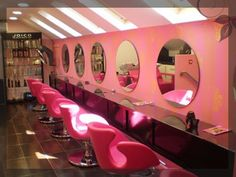 Belle Morte Beauty: Rockabilly Pink Hairdressing Upstyle with SalonAddict.ie
